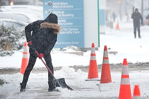 Arctic Blast Grips Parts Of The U.S., With Snow And Recor...