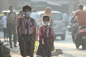 This Week, 2,000 Children Ran A Race Through The Gray Smog Of Delhi