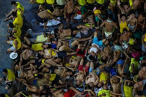 As COVID-19 Fears Grow, 10,000 Prisoners Are Freed From Overcrowded Philippin...