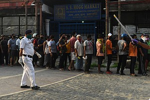 As India Reopens Liquor Stores, Customers Line Up — But Overcrowding Forces C...