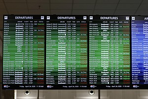 Feds Warn Airlines Once Again To Offer Customers Refunds
