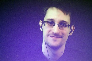 Journalist Who Helped Break Snowden's Story Reflects On His High-Stakes Repor...