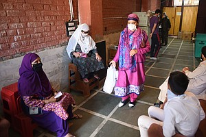 Ahead Of Eid, India's Muslim Clerics Urge Celebrating At Home, Donating To Ch...