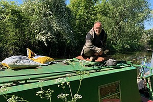 For U.K. Canal Boat Dwellers, Lockdown Can Be Claustrophobic — But Also Offer...