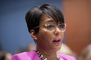 Atlanta Mayor To Order Masks To Be Worn In Public Spaces
