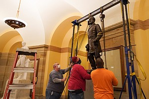 Virginia Removes Its Robert E. Lee Statue From U.S. Capitol