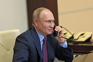 In Phone Call, Biden Presses Putin Over Cyber Breach, Navalny