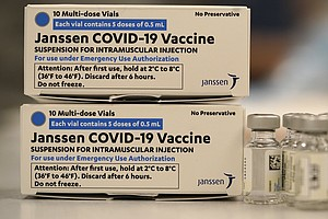 Photo for U.S. Recommends Pausing Use Of Johnson & Johnson Vaccine Over Blood Clot Conc...