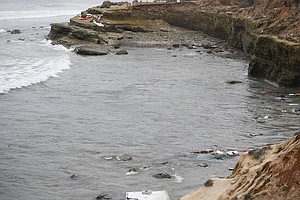 4 Dead, Dozens Injured After Suspected Smuggling Boat Capsizes Near San Diego