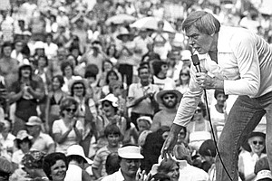 Country Singer Tom T. Hall, Writer Of 'Harper Valley PTA,' Dies At 85