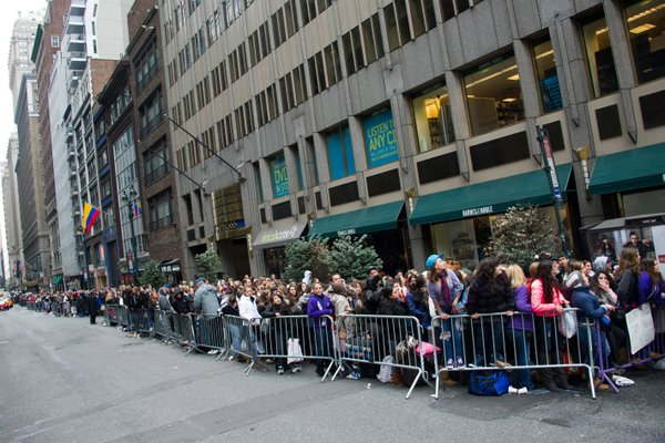 Fans line up to meet Justin Bieber at Barnes & Noble in New York, 2010.