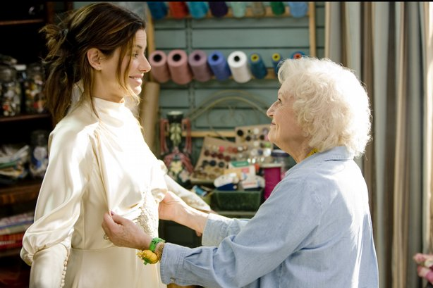 """Now where are your boobs?"" Betty White alters a wedding dress for Sandra Bul..."