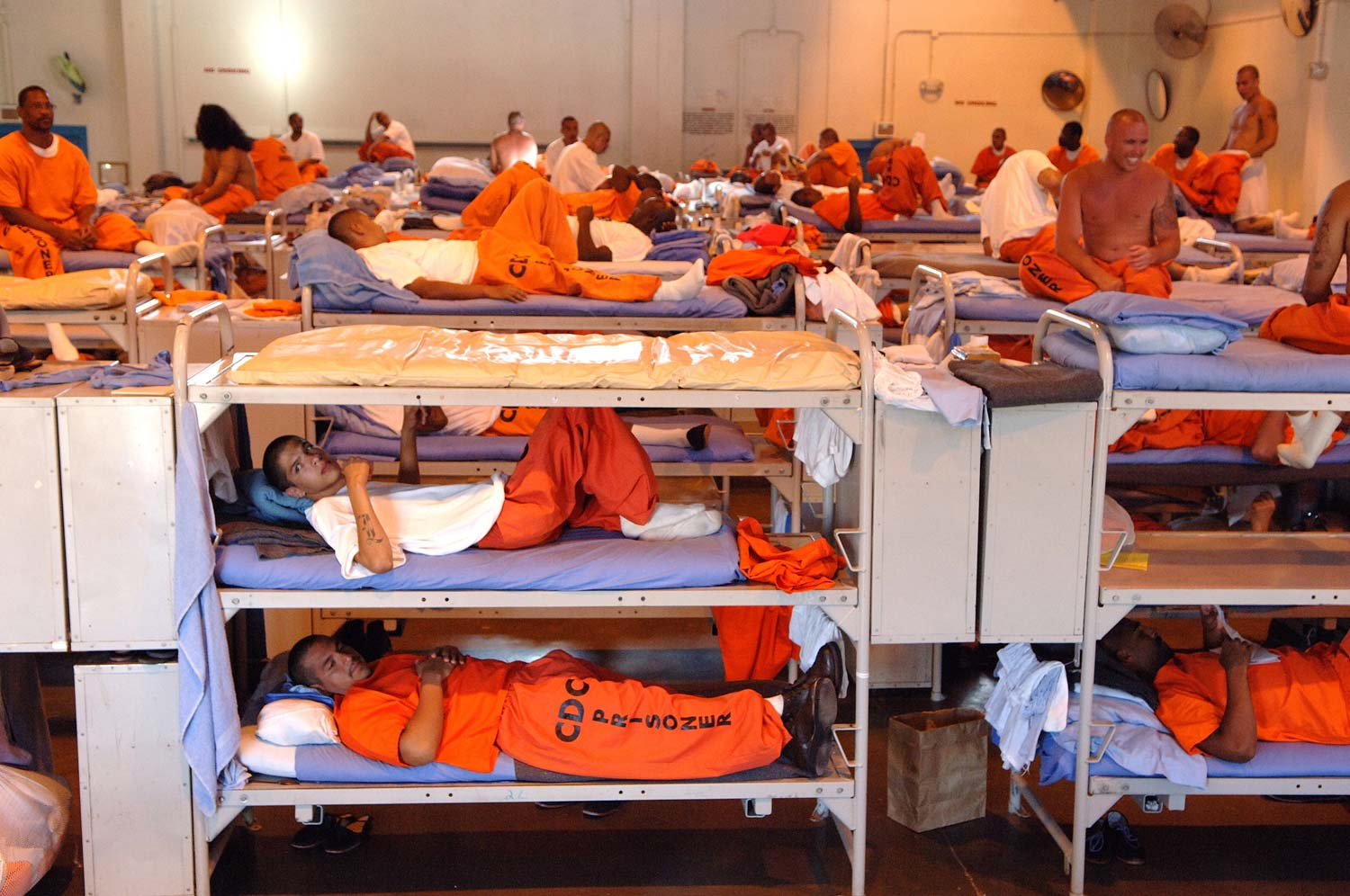 prisoners rights in the us Constitutional rights of prisoners the eighth amendment to the united states constitution protects citizens against cruel and unusual punishments in terms of prisoners' rights, this protection requires that prison officials afford inmates certain minimum standard of living.
