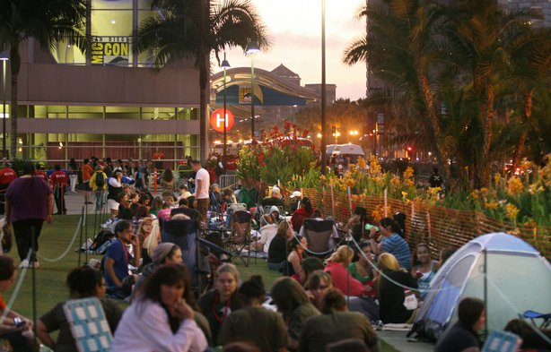 Twilight fans settle in to spend the night outside the San Diego Convention C...