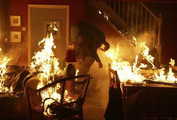 Pictured (l-r): DI Robert Lewis (Kevin Whately) rescues Hathaway (Laurence Fox) from a fire.