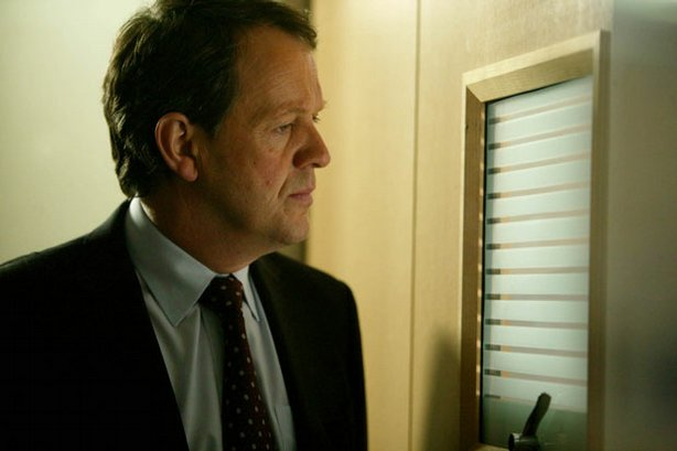 "Kevin Whately as DI Robert Lewis in ""Masterpiece Mystery! Inspector Lewis, Se..."