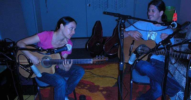 Rodrigo y Gabriela are musicians from Mexico City that moved to Dublin to cre...