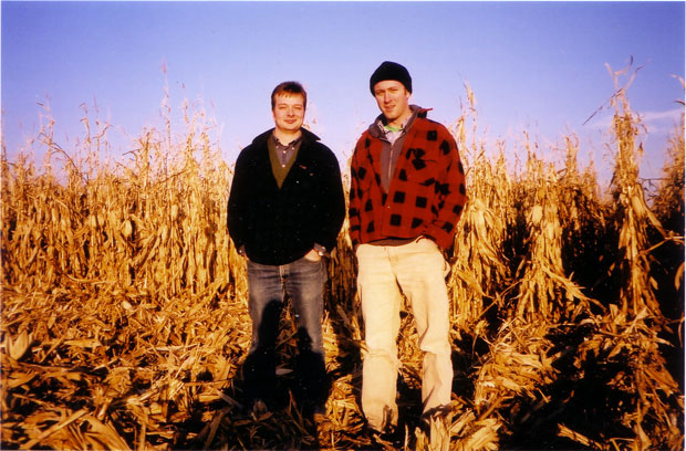 essays on king corn King corn is a documentary film released in october 2007 that follows college friends ian cheney and curtis ellis (directed by aaron woolf.