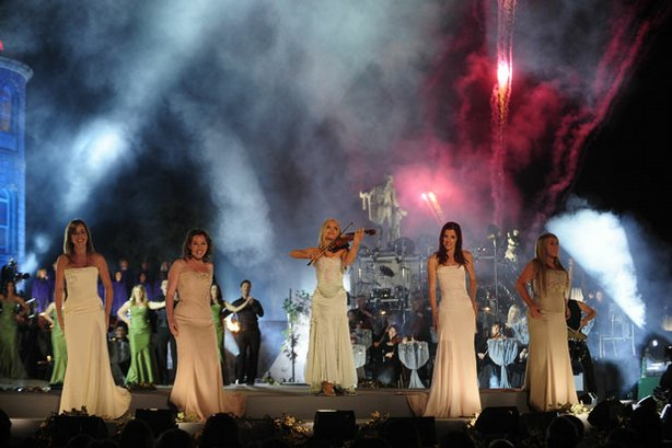 Celtic Woman — (l-r) Lisa Kelly, Alex Sharpe, Mairead Nesbitt, Lynn Hilary and Chloe Agnew — perform at Ireland's historic Powerscourt House and Gardens in Enniskerry, County Wicklow. The musical repertoire ranges from spirited Celtic fiddle and bodhran pieces to lush arrangements of Irish classics, contemporary covers and original compositions.