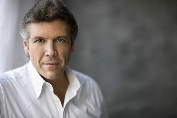 The New York Philharmonic and new music director Alan Gilbert usher in 2010 with baritone Thomas Hampson (pictured).