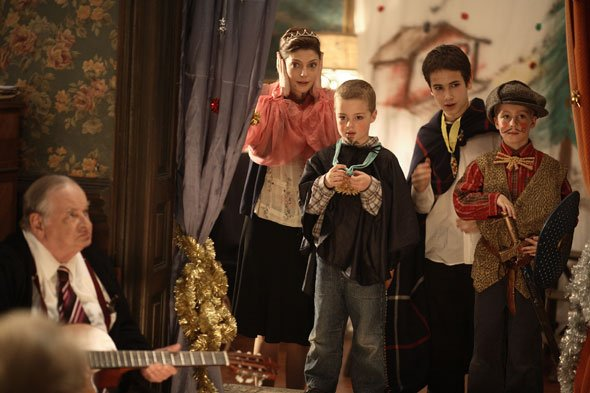 """One of my favorite scenes from """"A Christmas Tale"""" (""""Un conte de Noël"""") by Fre..."""