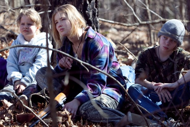 """Jennifer Lawrence is a teenager with adult responsibilities in """"Winter's Bone"""""""