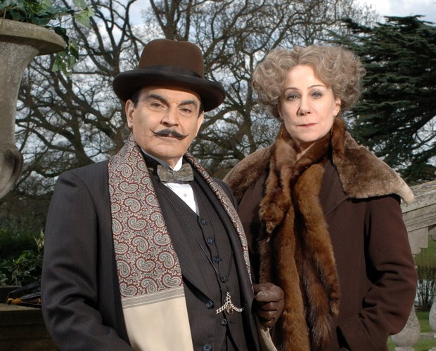 David Suchet as Hercule Poirot and Zoë Wanamaker as Ariadne Oliver in MASTERP...