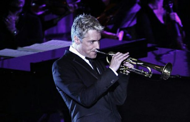Trumpeter Chris Botti (pictured), a gifted instrumentalist and a charismatic performer in the realm of contemporary jazz, has simultaneously captured the attention of the pop music world.