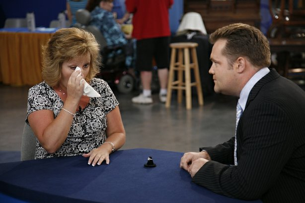 "At ""Antiques Roadshow"" in Las Vegas, Nevada, this guest is in tears after she..."