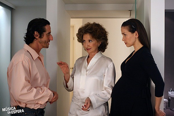 Diego Peretti, Norma Aleandro, and Natalia Oreiro in the Argentine romantic c...