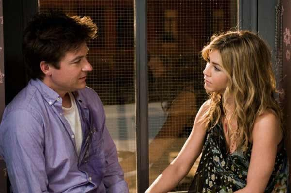 "Jason Bateman and Jennifer Aniston are friends in ""The Switch"""