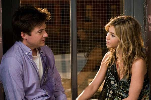 Jason Bateman and Jennifer Aniston are friends in