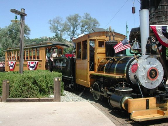 Photo of the 1907 Baldwin 0-4-0 Steam Locomotive and Tender, city-owned antiq...