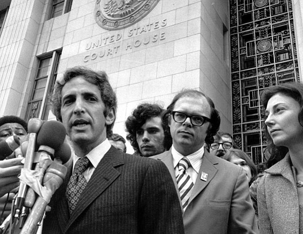 Daniel Ellsberg at the Los Angeles courthouse, 1973. Anthony Russo and Patric...