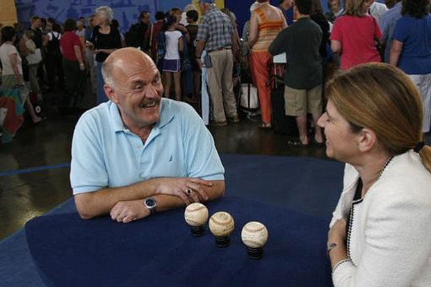 At ANTIQUES ROADSHOW in Philadelphia, Pa., appraiser Leila Dunbar of Sotheby'...