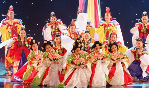 Promotional photo from the Kim Eung Hwa Korean Dance Academy performance on December 24, 2009, at the Music Center of Los Angeles.
