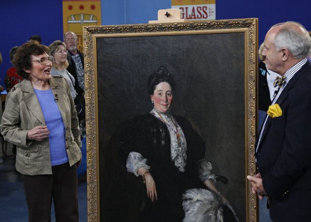 At ANTIQUES ROADSHOW in San Diego, this guest is astounded to learn from appraiser Peter Fairbanks that a 1907 portrait of her aristocratic grandmother by Ashcan School artist Robert Henri is valued at $250,000 to $350,000.