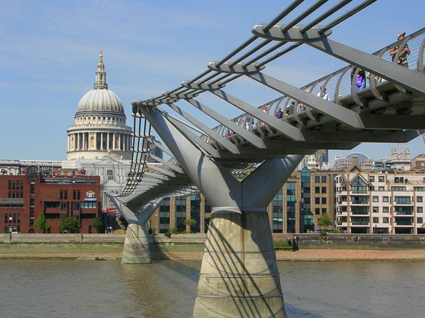 Millennium Bridge across the Thames linking the city of London at St. Paul's Cathedral with the Tate Modern Gallery at Bankside.