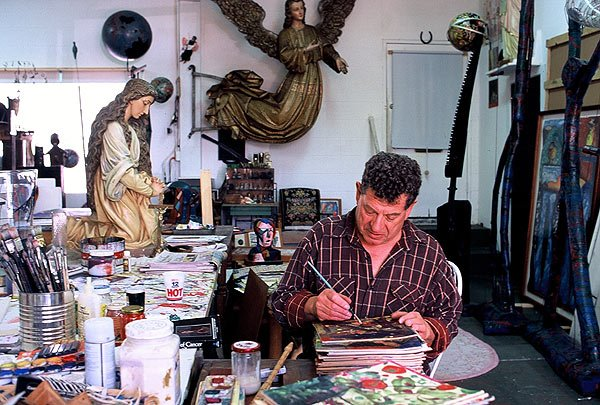 The artist Italo Scanga in his San Diego studio.