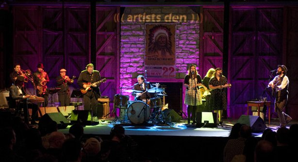 Ray LaMontagne and the Pariah Dogs, recorded November 13, 2010 at The Don Str...