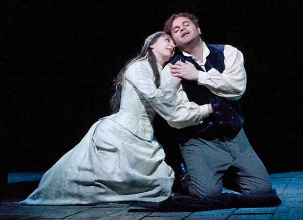 Natalie Dessay as Lucia and Joseph Calleja as Edgardo in