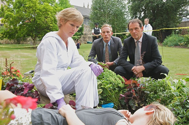 Clare Holman as Dr. Laura Hobson, Kevin Whately as DI Lewis and Laurence Fox ...