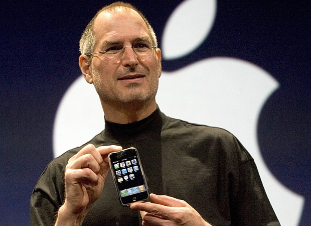 Steve Jobs Unveils Apple iPhone At MacWorld Expo in January 2007.