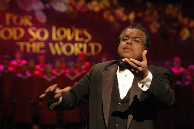 anton armstrong artistic director of st olaf college christmas festival - St Olaf Christmas Festival