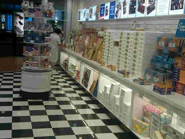 See's Candies - Mall of America, 60 East Broadway, Bloomington, Minn. See's t...