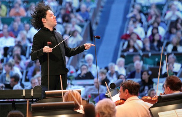 Gustavo Dudamel conducts the Los Angeles Philharmonic in this all-Gershwin pr...
