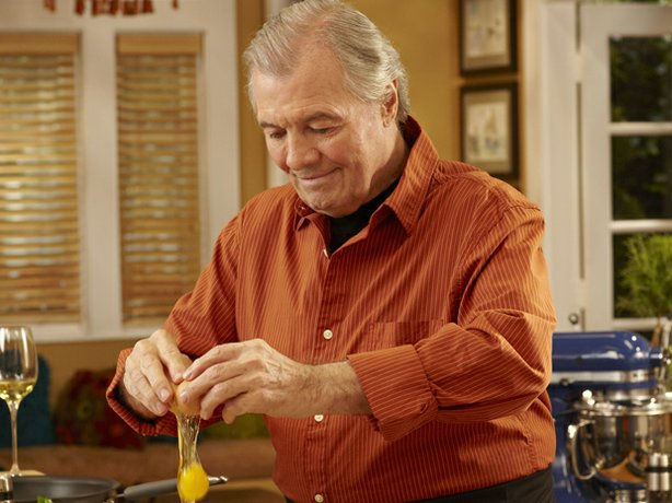 Jacques Pépin demonstrates his flair with eggs.