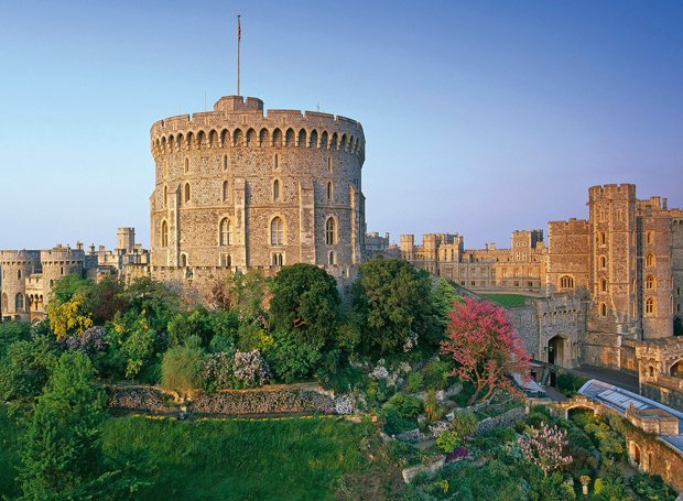 Exterior photo of Windsor Castle.