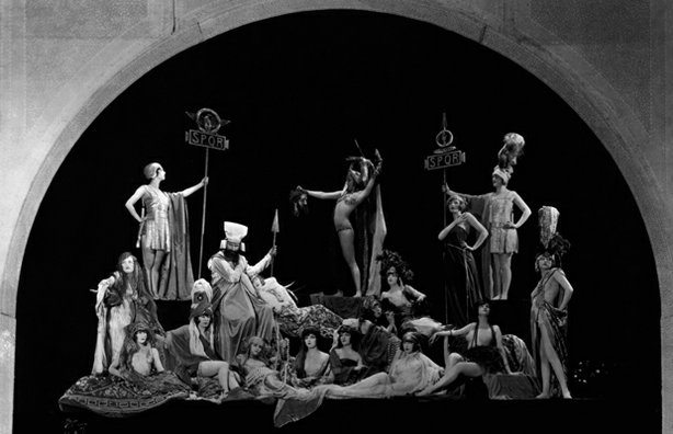 """Salome"" tableau, ""The Ziegfeld Follies,"" 1919."