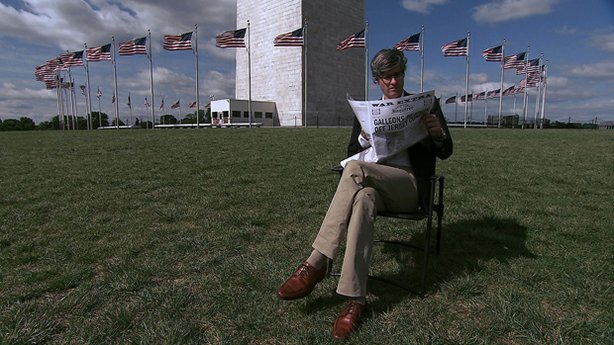 Mo Rocca at the Washington Monument. Political humorist Mo Rocca, a correspon...